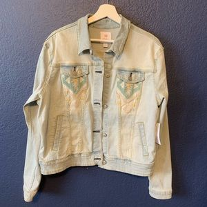 NEW LULAROE Harvey Light Wash Denim Jacket